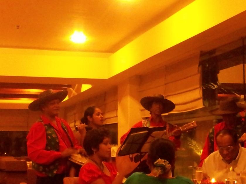 The Lankan singers at Taj