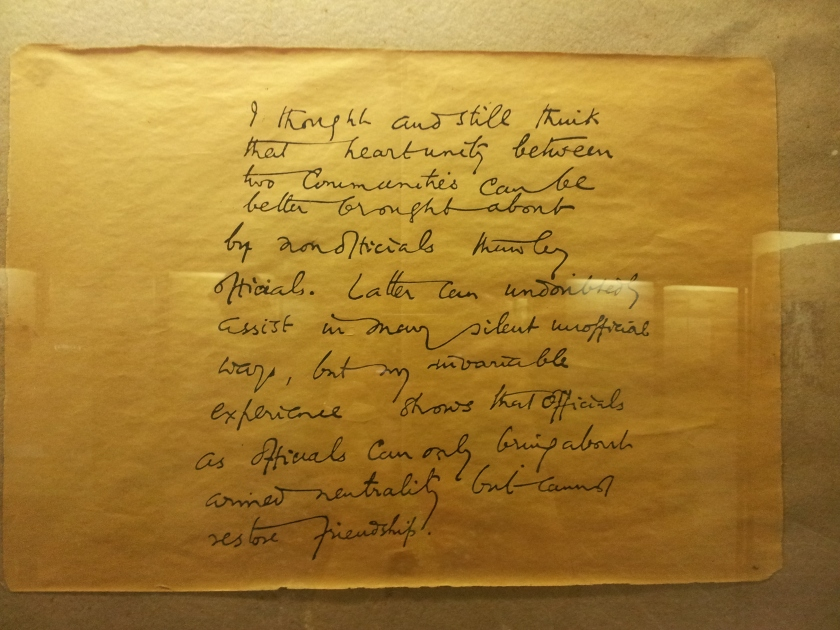 A handwritten Gandhi note